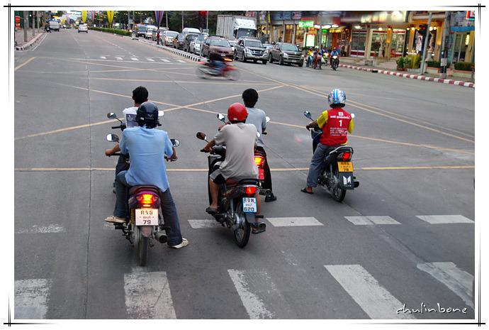 태국 파타야 거리와 숙소가는길. MK수끼