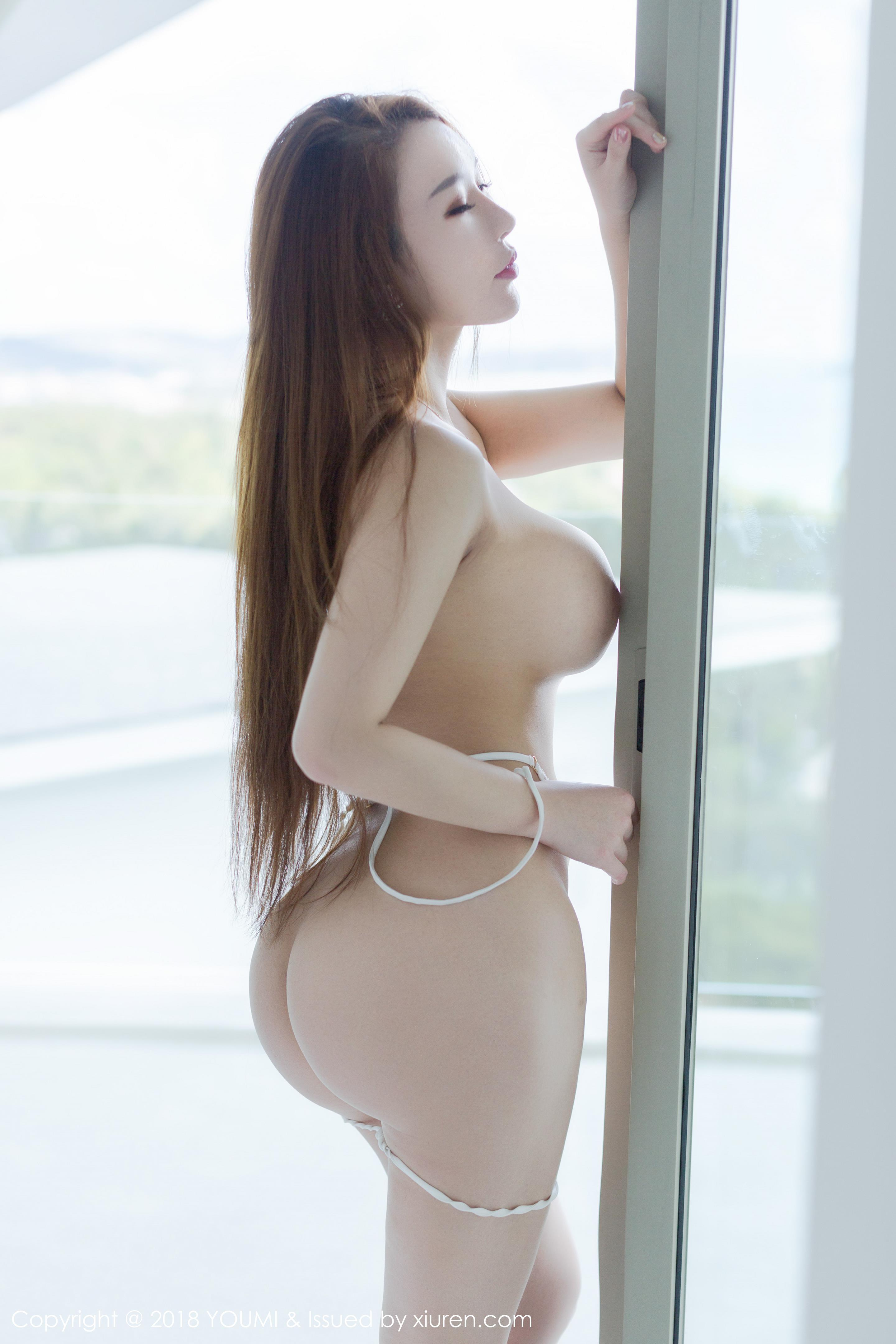 hot Chinese glamour - I like it