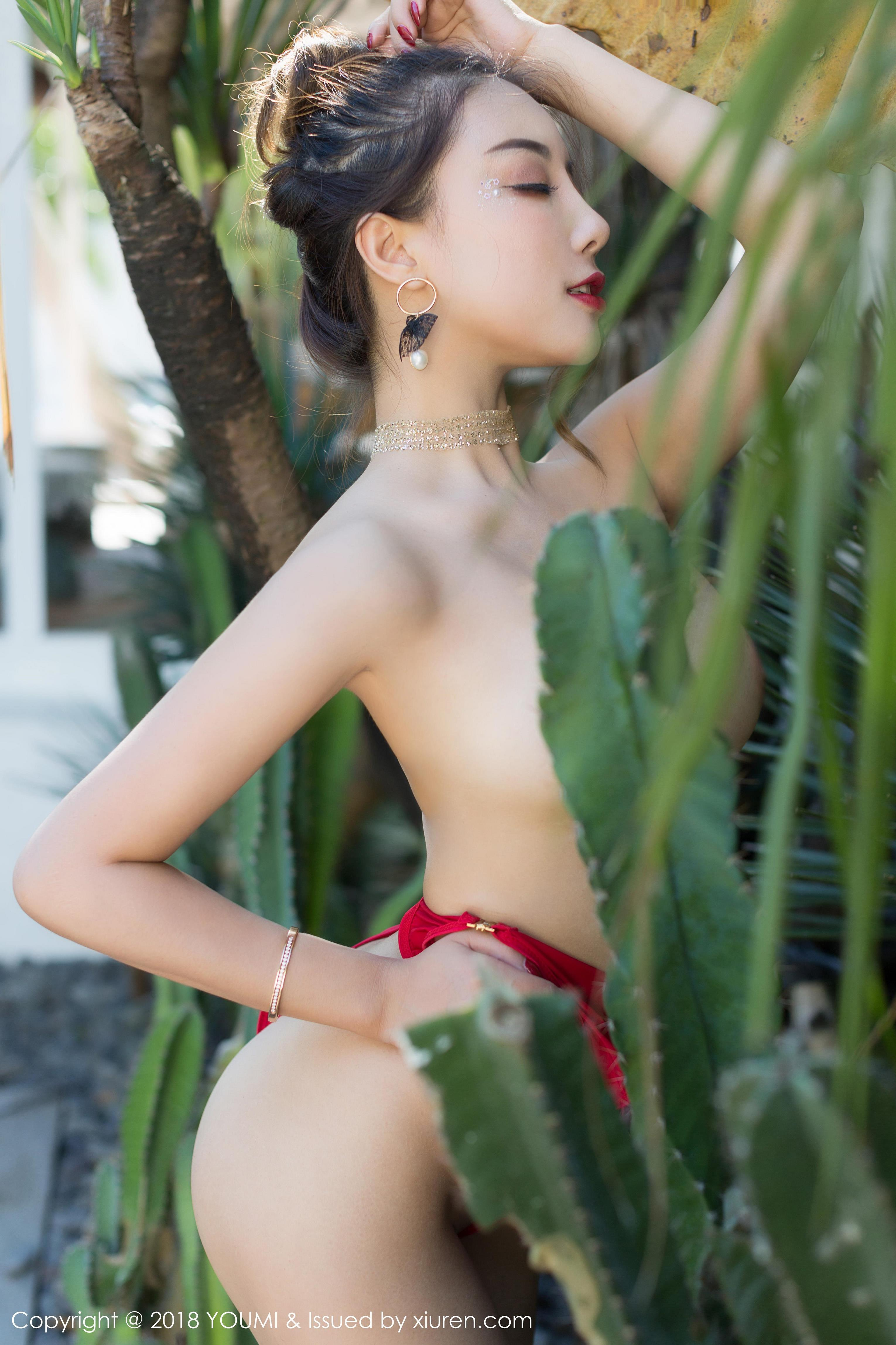 hot Chinese girl in nude